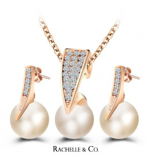 Rachelle & Co Pearl Necklace and Earring Set (D5)
